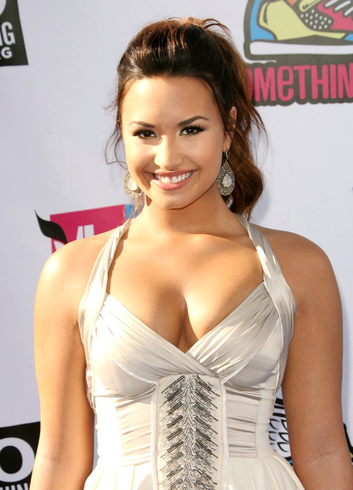 demi lovato really sexy and hot