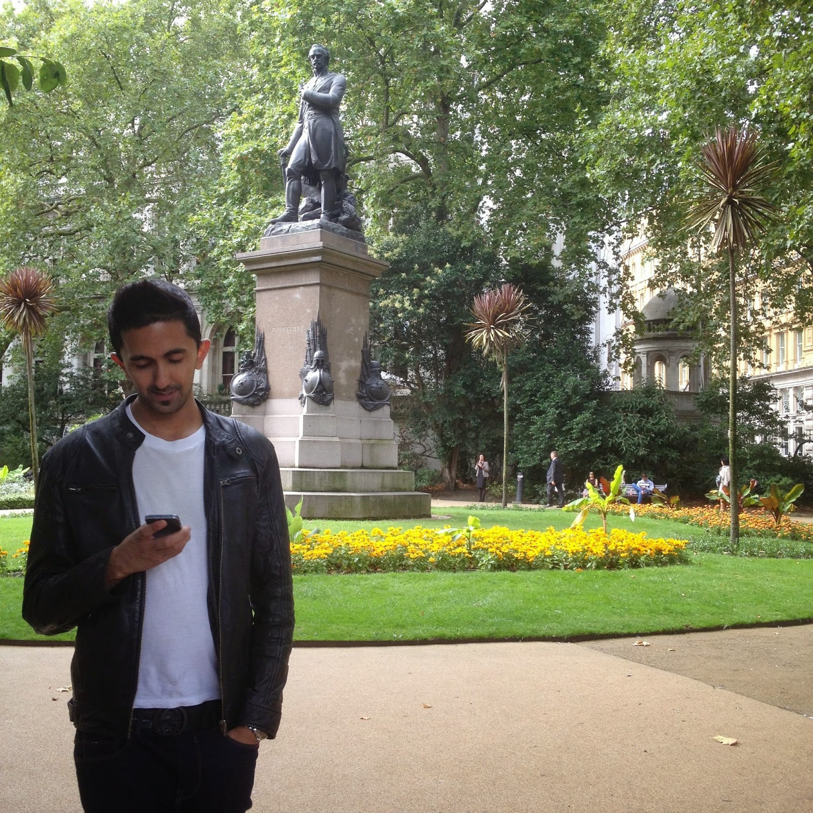 london gardens and memorial