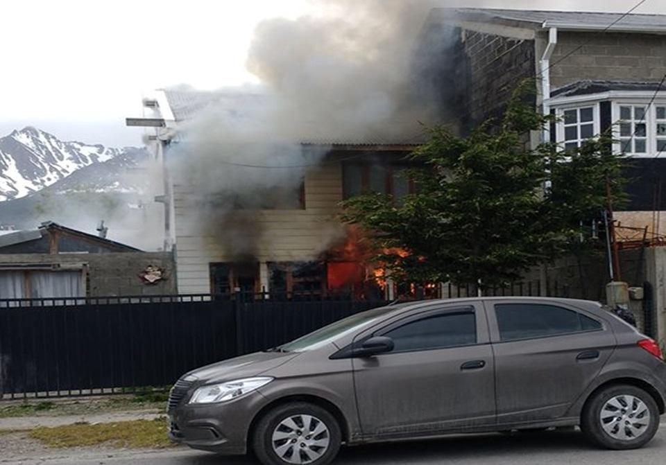Incendio en Ushuaia una mujer grave