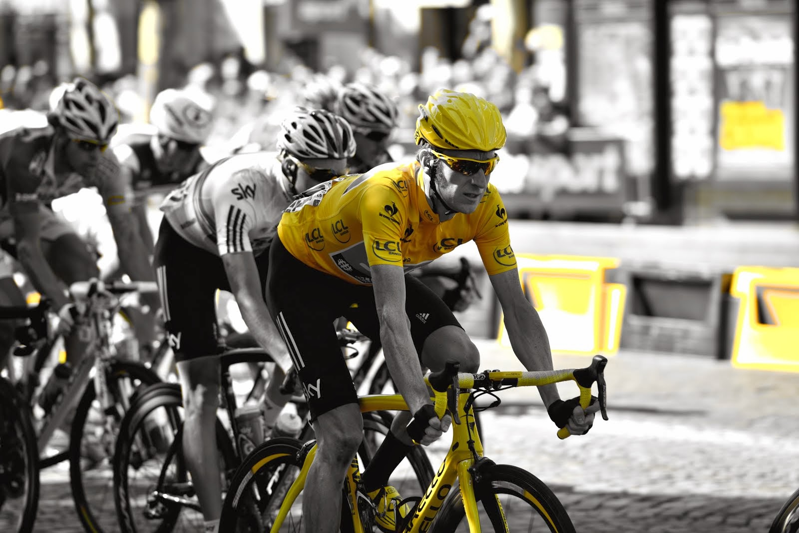 Bradley Wiggins on The Champs Elysees 2012