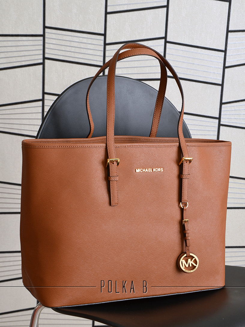 michael kors medium jet set multifunction saffiano travel