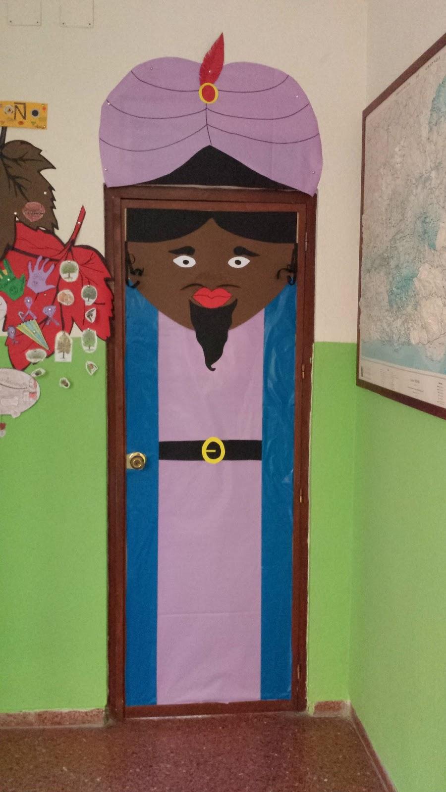 Ceip virgen del carmen decoraci n de puertas navide as en for Decoracion de puertas de colegio