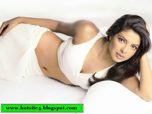 Priyanka Chopra Photo - Priyanka Chopra Sexy Photo - Priyanka Chopra Hot Photo