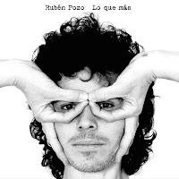 Rubén Pozo en Sevilla, actuación el 10 de mayo de 2012 del ex Pereza presentando 'Lo que más', su primer disco en solitario