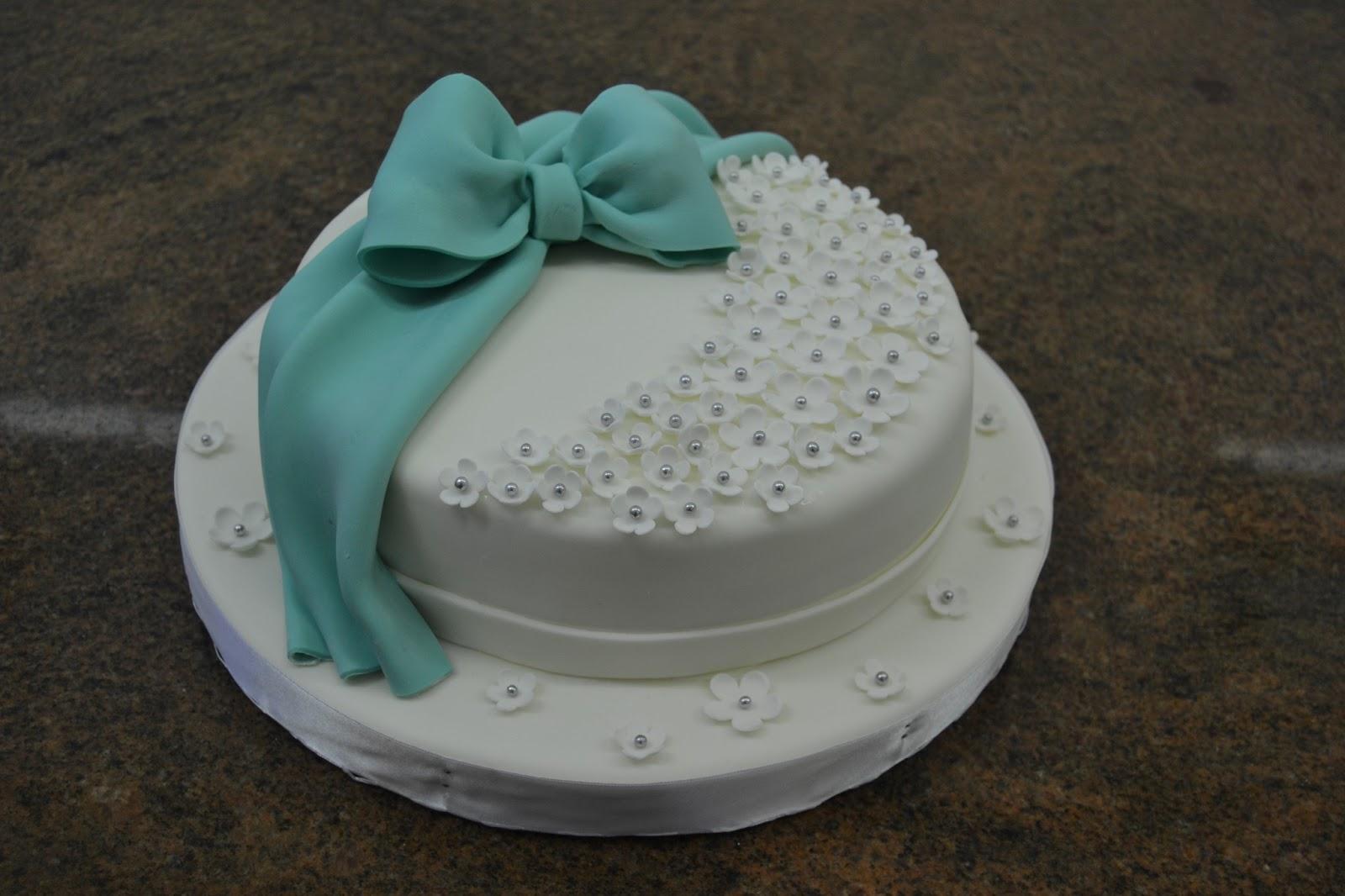 Dolce Universo realizza torte artistiche di compleanno e ...