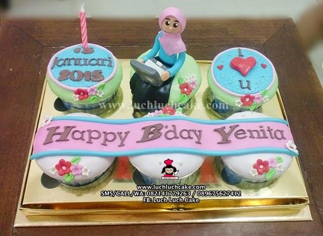 Cupcake Ulang Tahun Untuk Pacar Daerah Surabaya - Sidoarjo