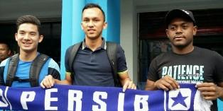 Kim Jeffrey Kurniawan, David Laly, dan Rahmad Hidayat.
