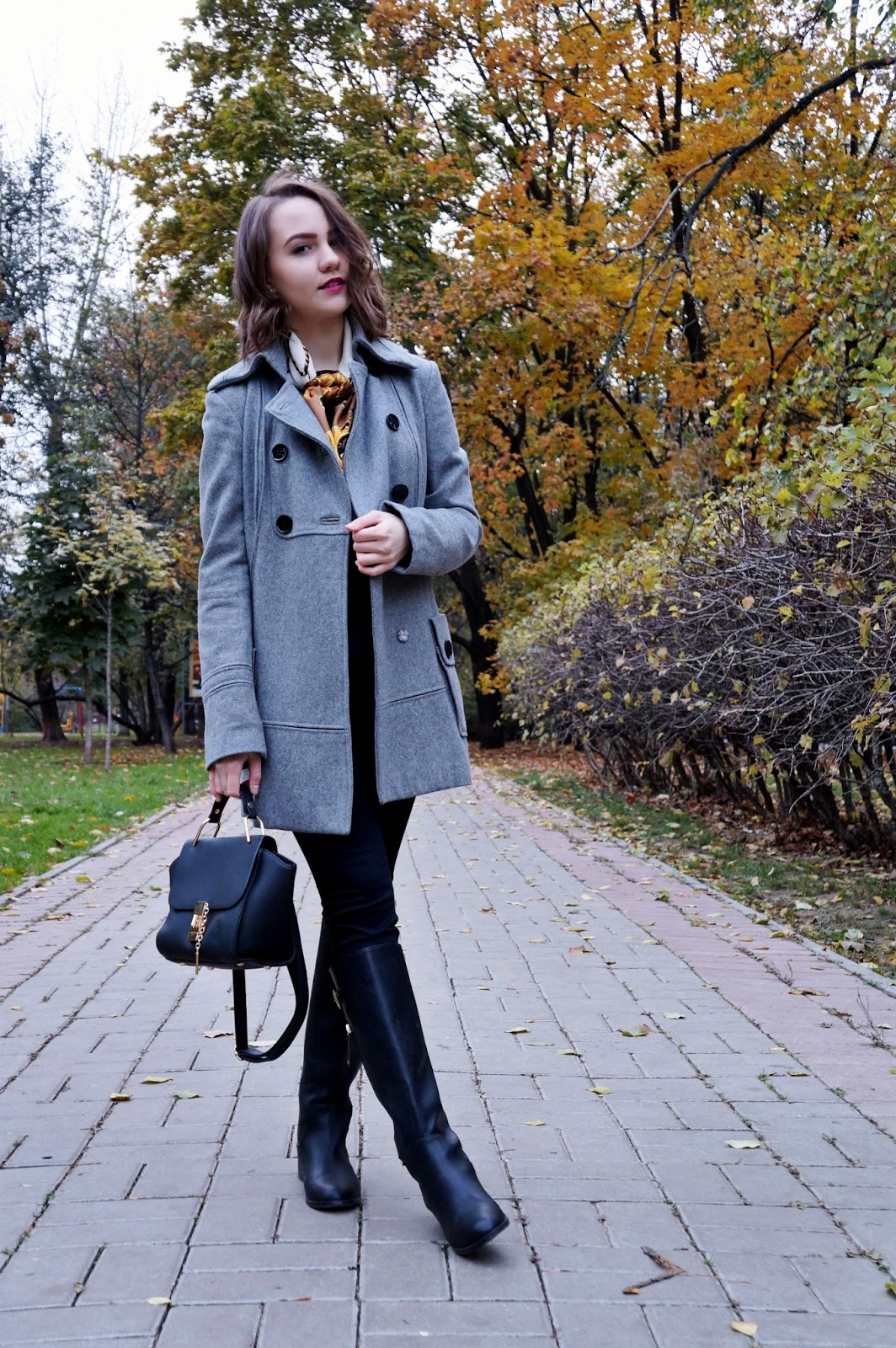 Grey coat | Fashion blogger | Alina Ermilova | Winter look