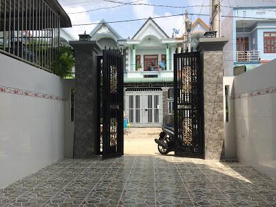 Phía trước nhà