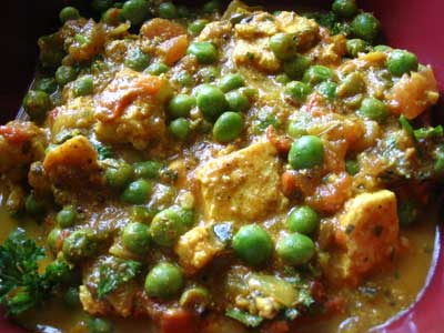 Mattar Paneer with Dried Fenugreek Leaves