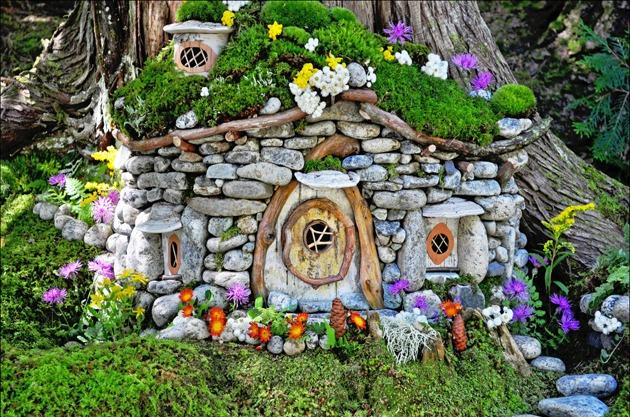 Декор из камня в саду своими руками 21