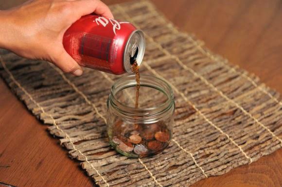 هناك العديد من الاستخدامات الخارجة عن المألوف والغير عادية لشراب الكوكاكولا، مما يمنحه ميزات