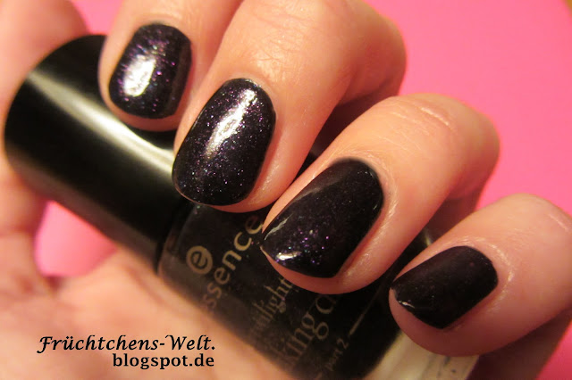 Swatch essence Nagellack ALICE HAD A VISION AGAIN Twilight LE