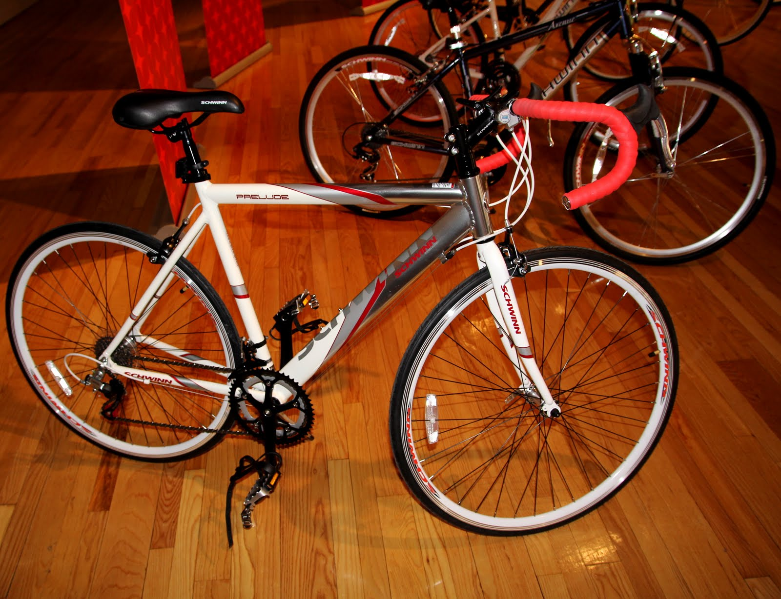 LYRA MAG.: SCHWINN & CANNONDALE BICYCLES BEST FOR 2011