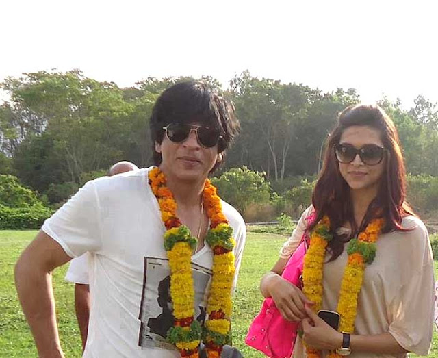 SRK and DP in Chennai Express Sets