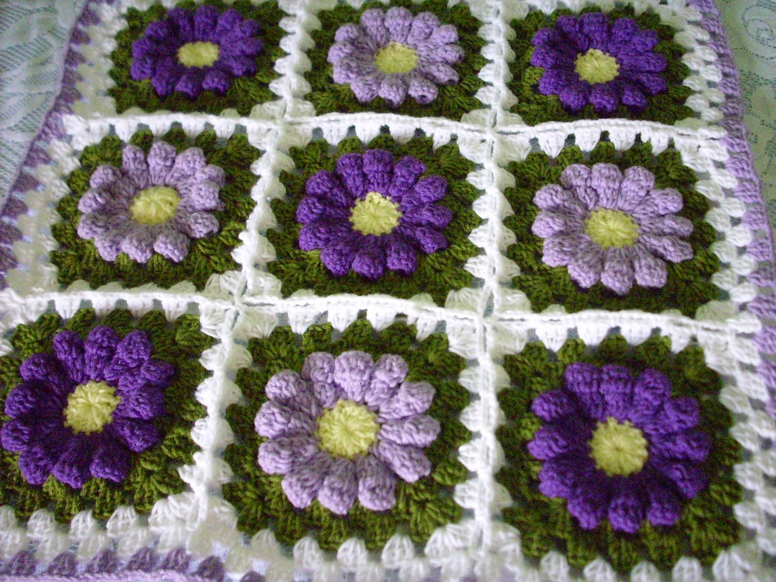 Dielas crochet crochet bantal kusyen bunga daisy masih lagi menggunakan motif bunga yang sama iaitu bunga daisy sebenarnya sarung bantal kusyen ini belum siap sepenuhnya ini adalah bahagian hadapan iaitu ccuart Gallery