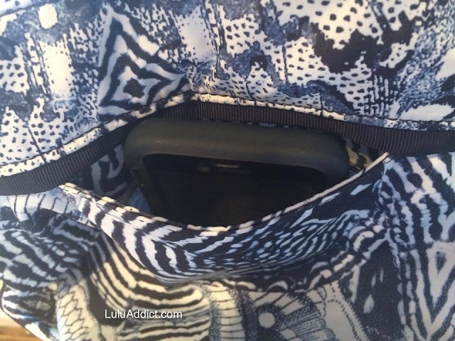 lululemon-wanderlust-diversity-bag back zipper