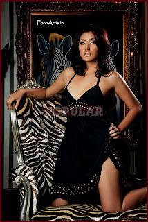 Tyas Mirasih for Popular Magazine