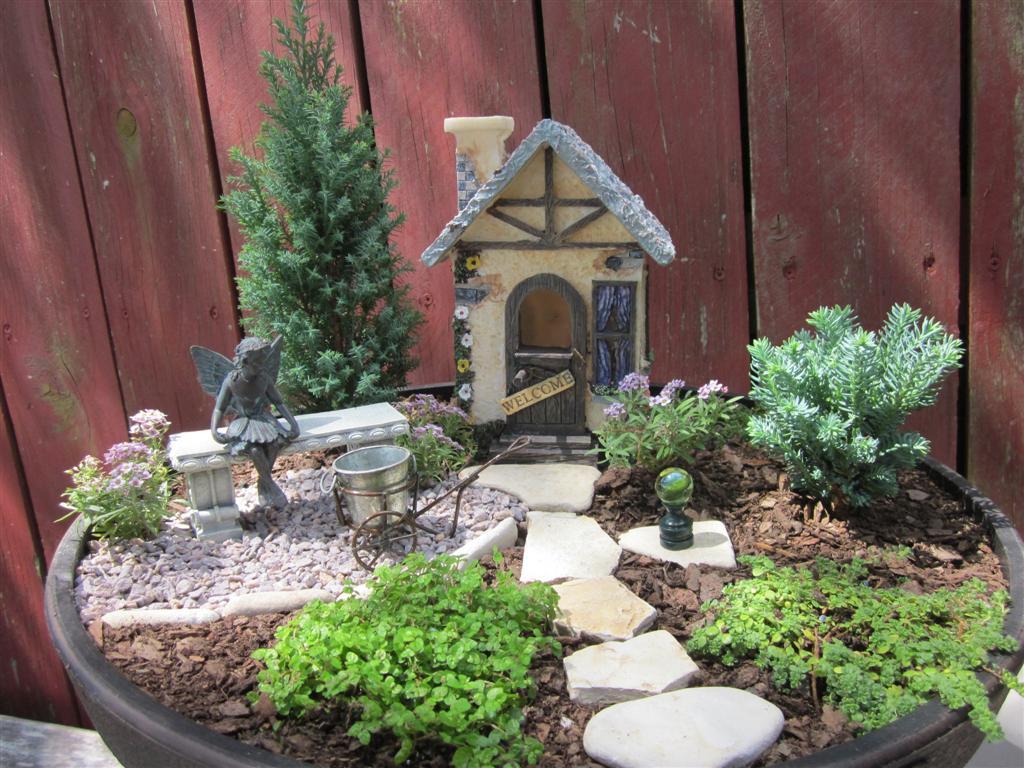 The papercrete potter more mini gardens for How to make a miniature garden