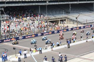 salida carrera de moto2 en indianapolis