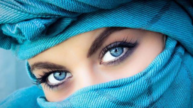 Cuma 30 Detik, Warna Mata Anda Bisa Jadi Biru Permanen