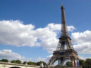 Gambar Menara Eiffel Paris
