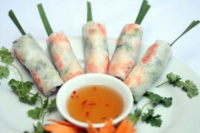 Goi Cuon (Vietnamese Salad Roll) - A Multi-flavor dish