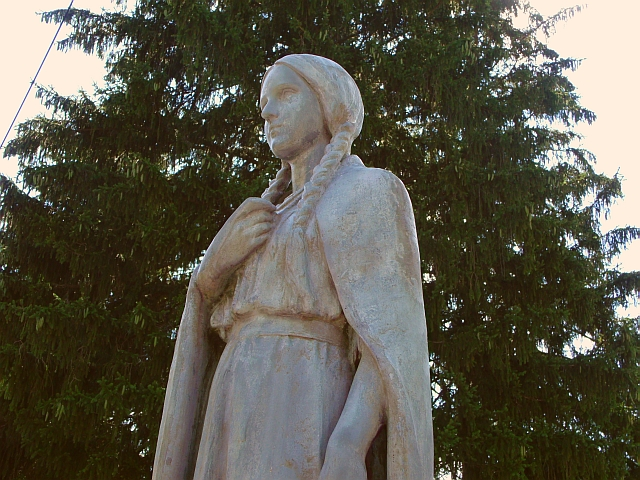 an analysis of the story of mary jemison the white woman of the genesee This lesson will explore the life story of mary jemison, a young pioneer woman whose mary jemison: life, captivity & statue 'the old white women of the genesee.