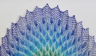 châle-dentelle-tricot-nim-teasdale-peacock
