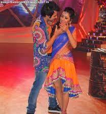 Asha Negi hot in blue skirt on stage in nach baliye 6 hot thighs show