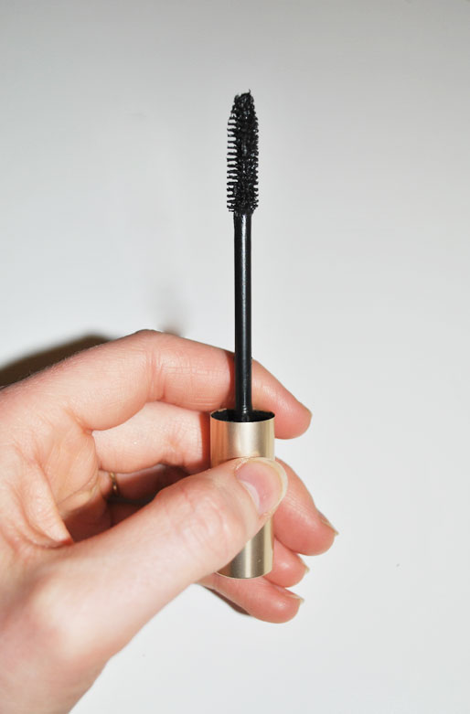 how to make your mascara last longer, makeup tips