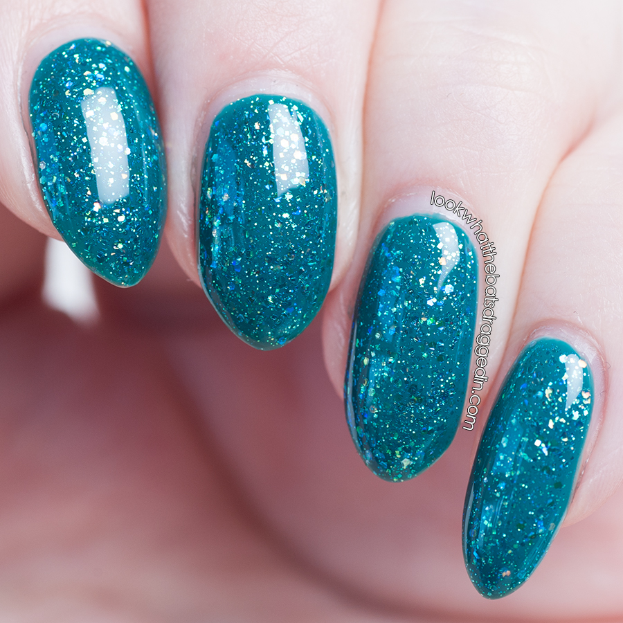 Illamasqua Venous with Sinful Colors Nail Junkie