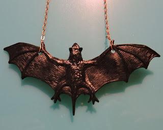 Bat necklace tutorial