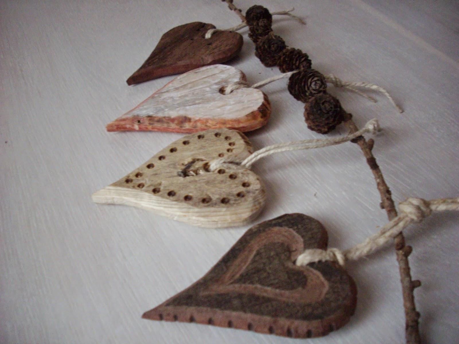 decorazioni fatte con legno di recupero