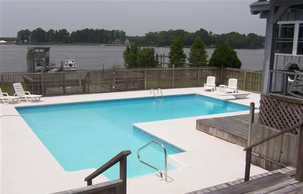Modern homes swimming pools designs ideas. | Modern Home Designs
