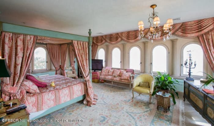 """Ivana Trump sells her """"Concha Marina"""" Mansion in Palm Beach for $ 18.9 million"""