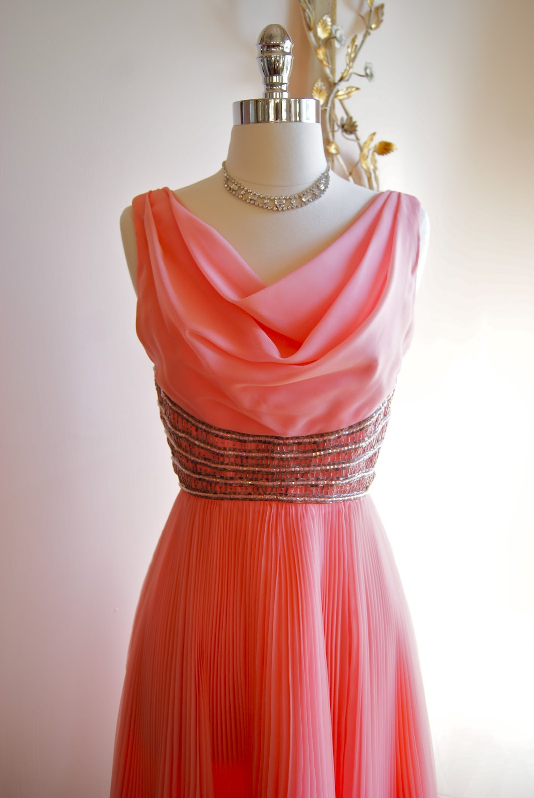 Xtabay Vintage Clothing Boutique - Portland, Oregon: Magic Moments...