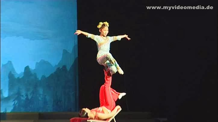 Spring Theatre Guilin - acrobatics