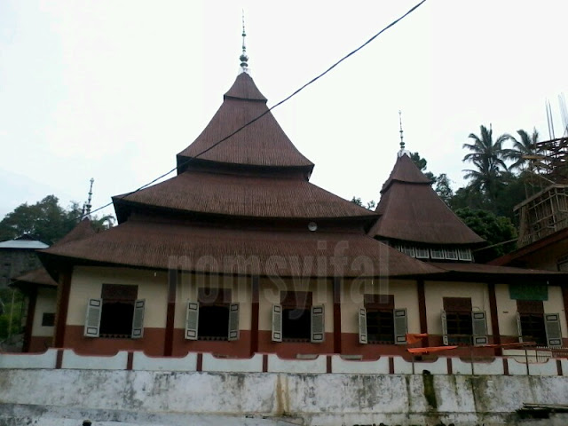 Masjid Ishlah Tampak dari luar 2