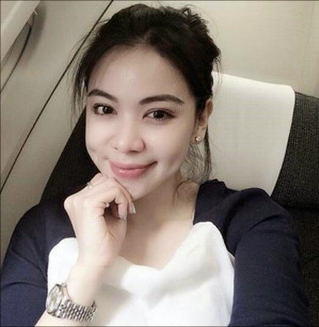 Feriyani Lim, Foto Hot