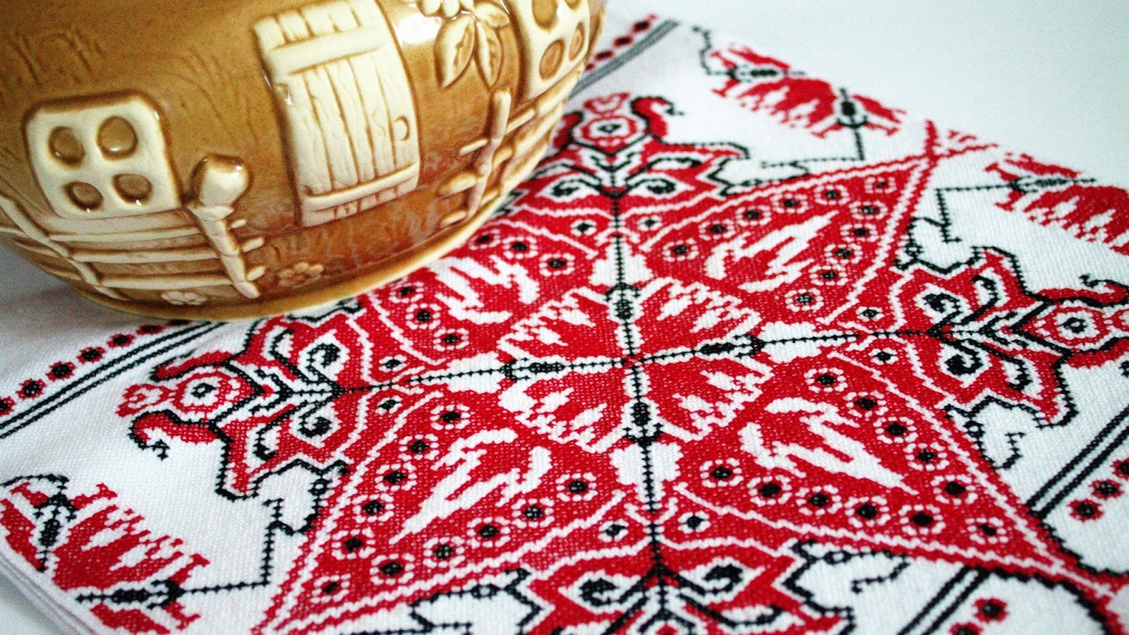 Машинная вышивка славянская