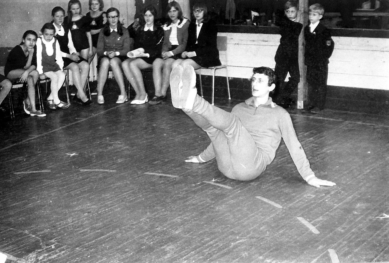 Valles viduskolas fizkultūras skolotājs Ojārs Dmitrijevs 1970-tie gadi