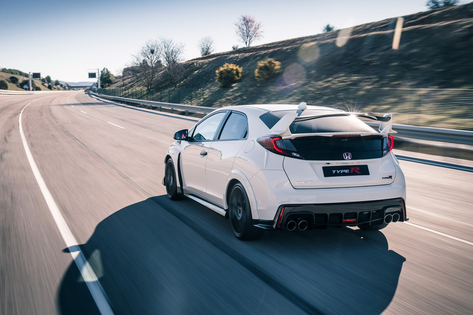 2016 Honda Civic Type R Leaves Us With Mixed Feelings