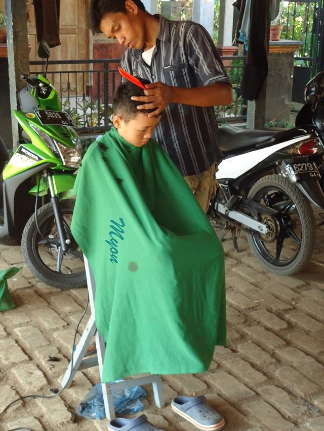 Tukang Cukur Keliling Di Pagaden Barat Subang Blog Mang