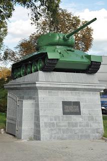 Czolg T-34, cmentarz zolnierzy radzieckich, Wroclaw