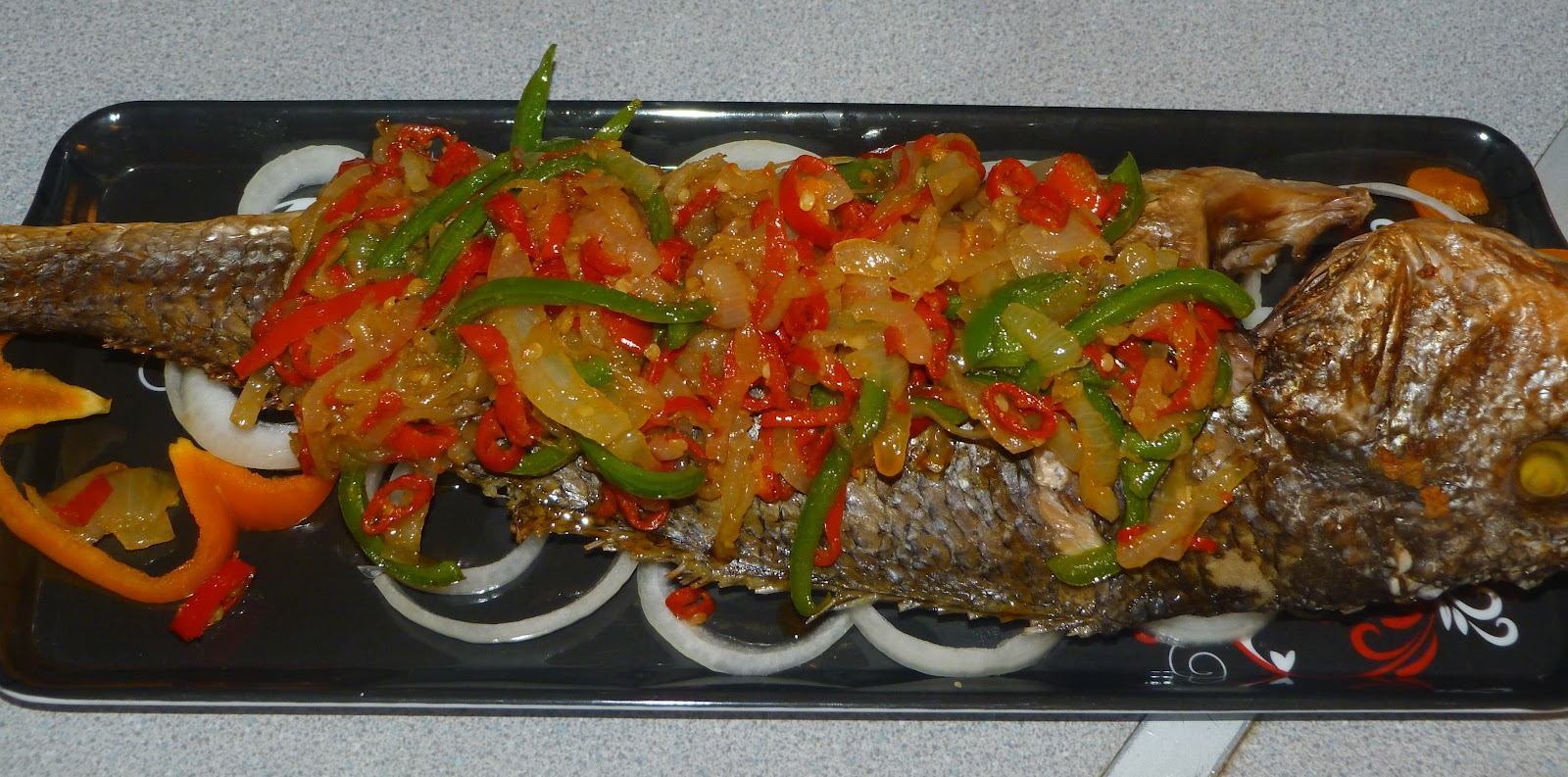 Afrilight belle 39 s kitchen grilled croaker n plantain for The fish grill