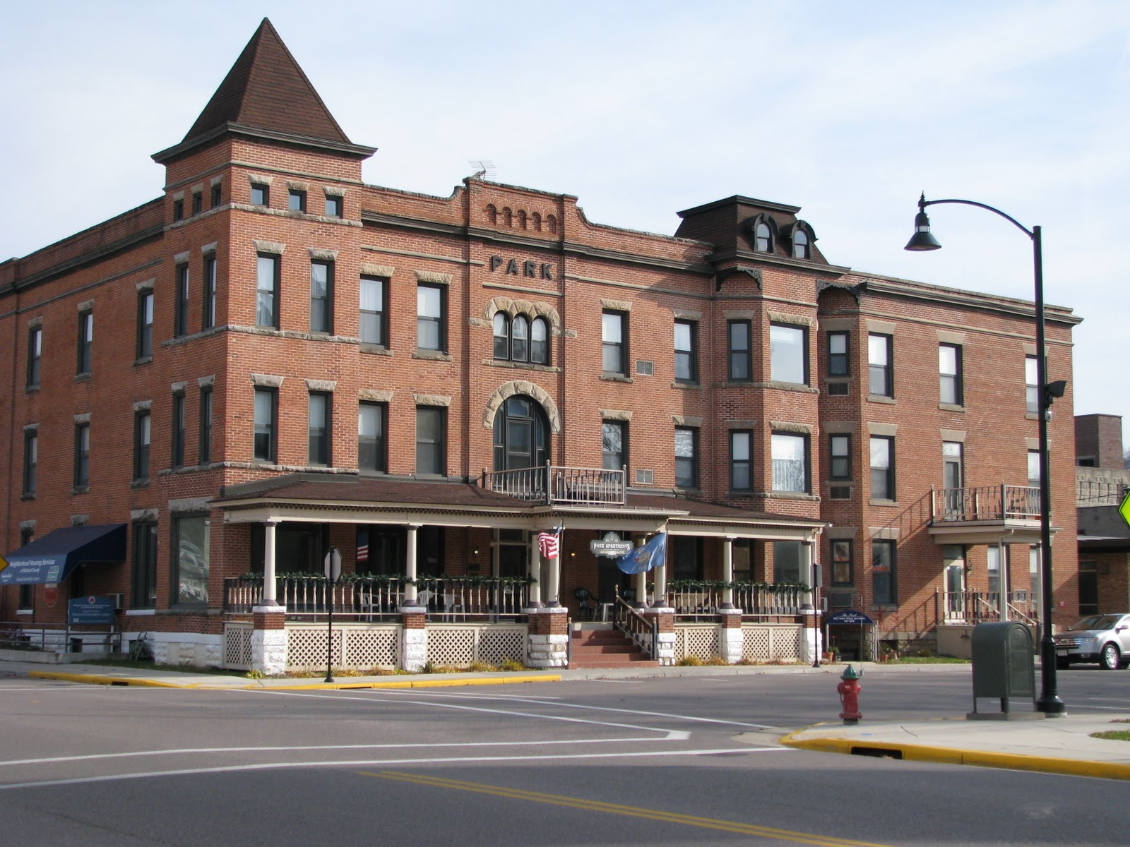 Just For Fun Here S An Old Photo Of Downtown Richland Center From The South This View Above Park Hotel Is Now Apartments
