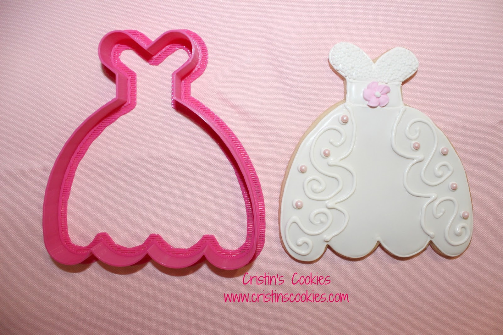 Cristin\'s Cookies: Wedding Dress Cookies and a New Cookie Cutter