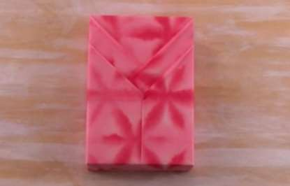 Gambar cara membungkus kado ulang tahun untuk pacar