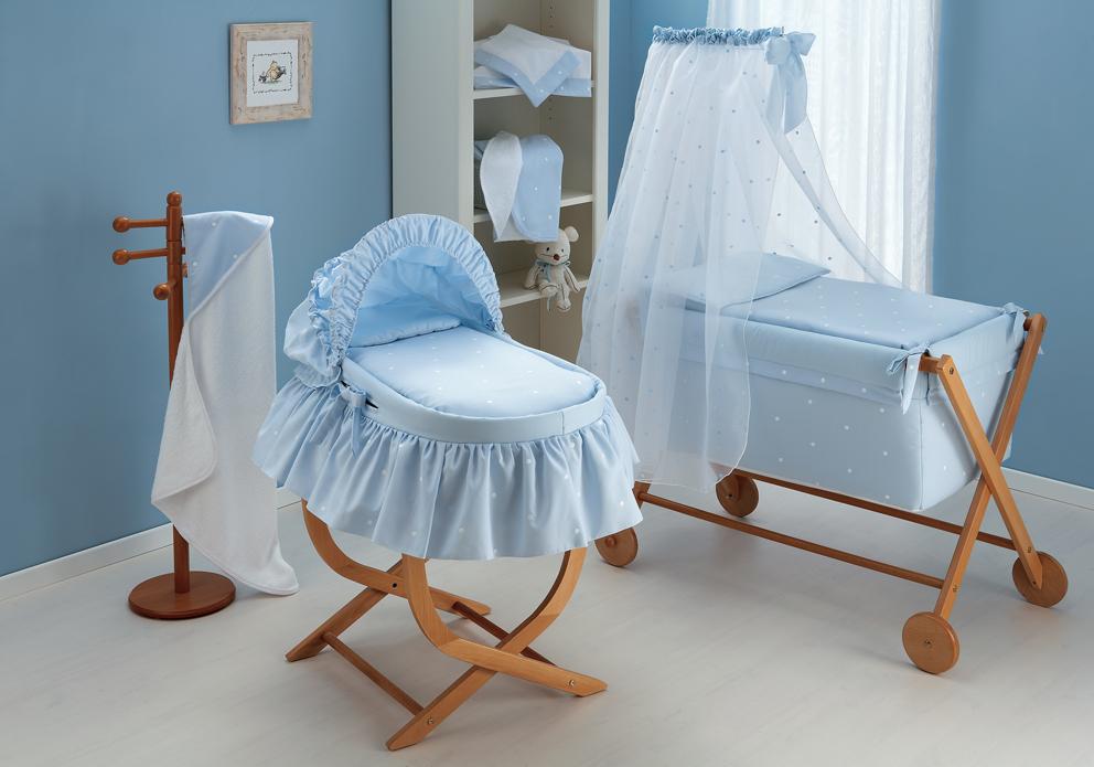 Bordados en las vestiduras de moises para bebes